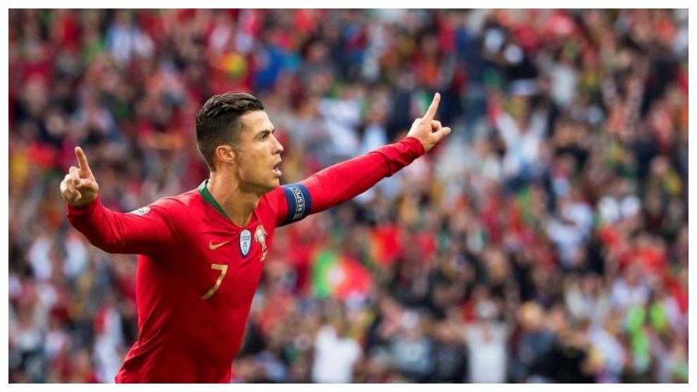 Cristiano Ronaldo celebra sus goles a Suiza.
