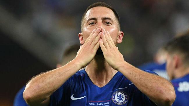 Hazard se dirige a la afición del Chelsea tras ganar la Europa...