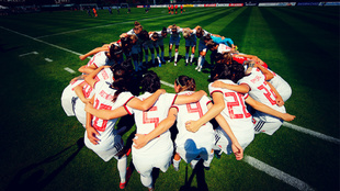 Las jugadores de la Selección de fútbol femenina, antes del último...