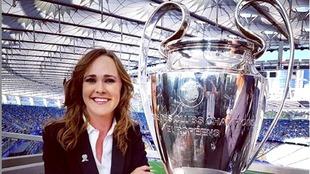Habló sobre ser la primera mujer hispana en comentar la Final de...