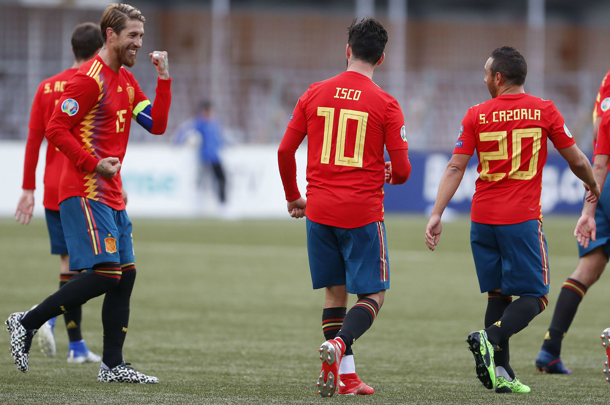 Ramos, Isco and Cazorla celebrate.