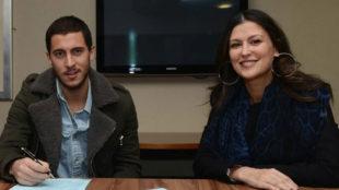 Eden Hazard y Marina Granovskaia, en la última renovación del belga...