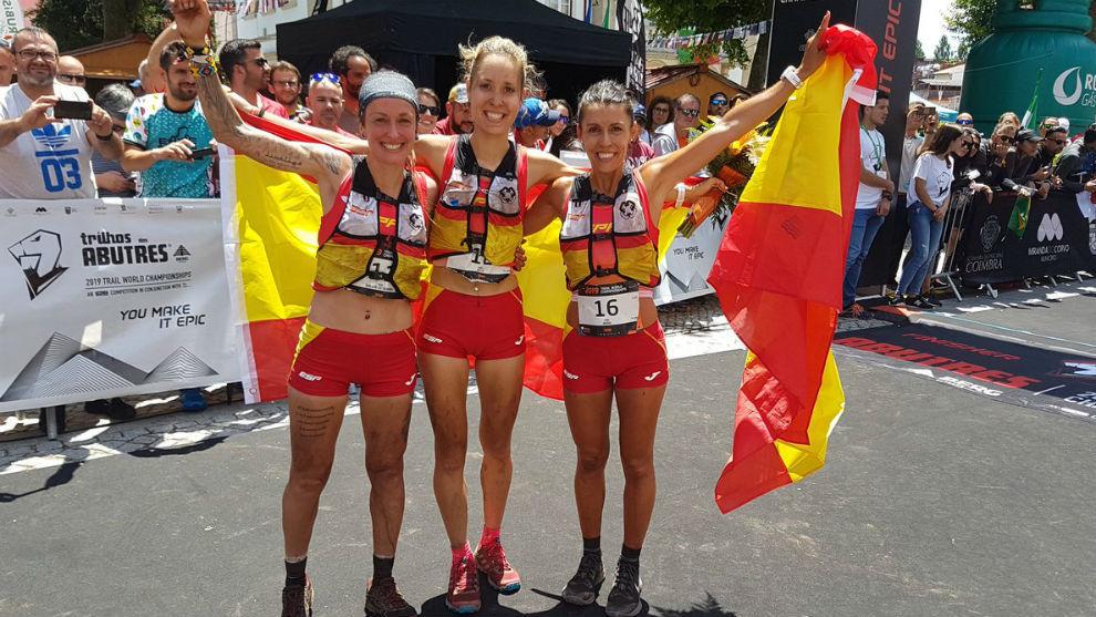 Azara García, Sheila Avilés y Gemma Arenas, en meta.