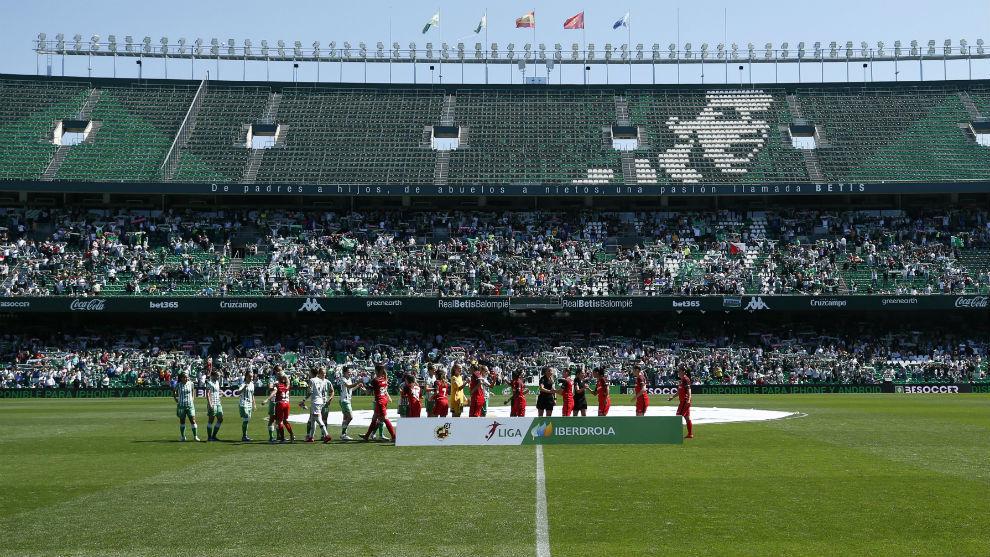Liga Iberdrola Calendario.Futbol Femenino Las Futbolistas De 14 Equipos Protestan Por El