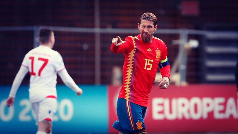 Sergio Ramos celebra el gol conseguido ante Islas Feroe.