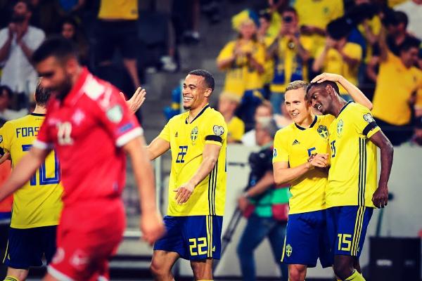 Isak, delantero de Suecia, dio una asistencia en el partido ante...