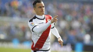 Raúl de Tomás, en un partido con el Rayo Vallecano esta temporada