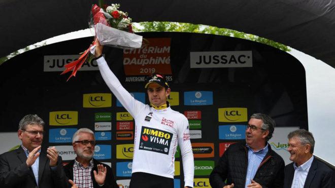 Van Aert, con el maillot al mejor joven del Criterium du Dauphine