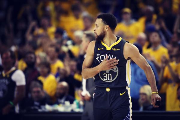 Curry, jugador de Golden State Warriors, durante un momento de las...