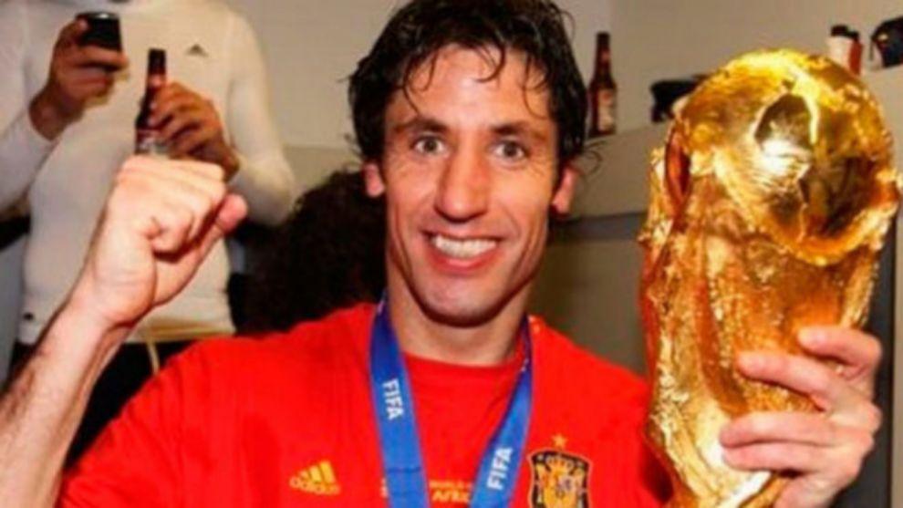 Joan Capdevila durante la celebración del mundial ganado por España
