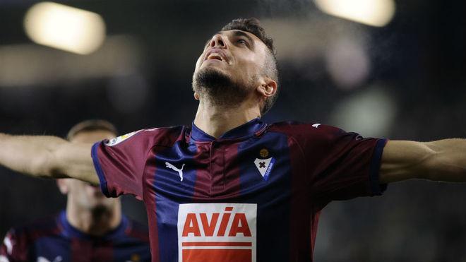 Joan Jordán celebra un gol con el Eibar.