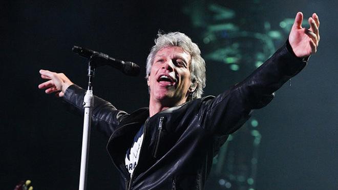 Bon Jovi durante uno de sus conciertos