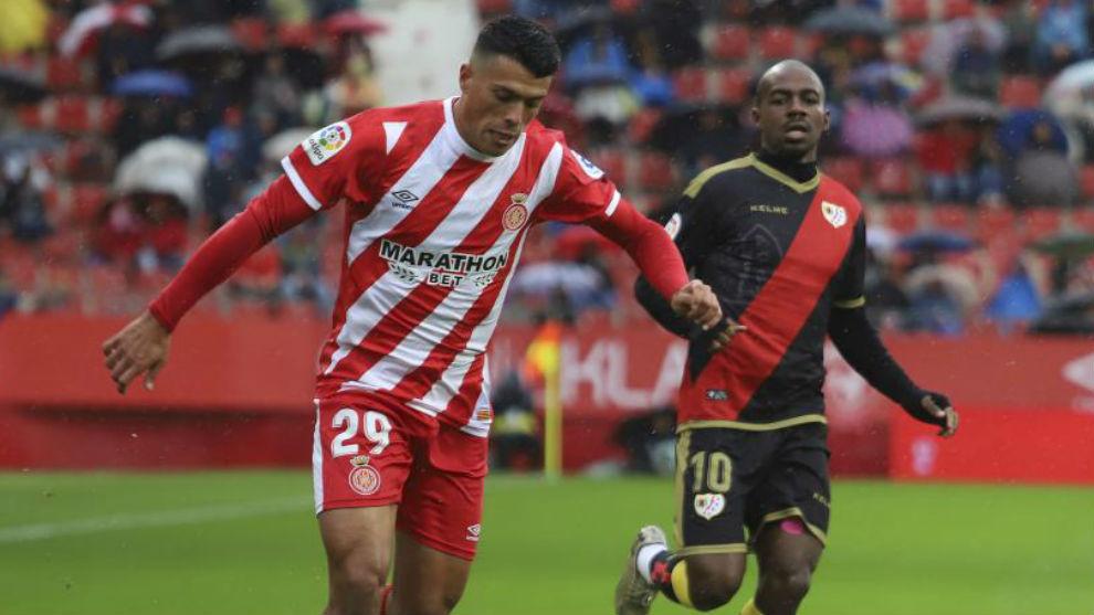 Pedro Porro durante un partido del Girona.