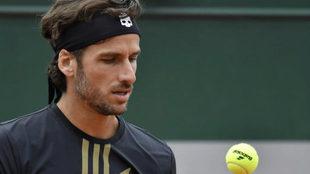 Feliciano López durante un reciente partido en Roland Garros.