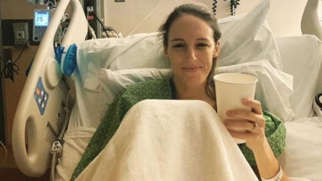 Gabe Grunewald sonríe en la cama del hospital el pasado 5 de mayo.