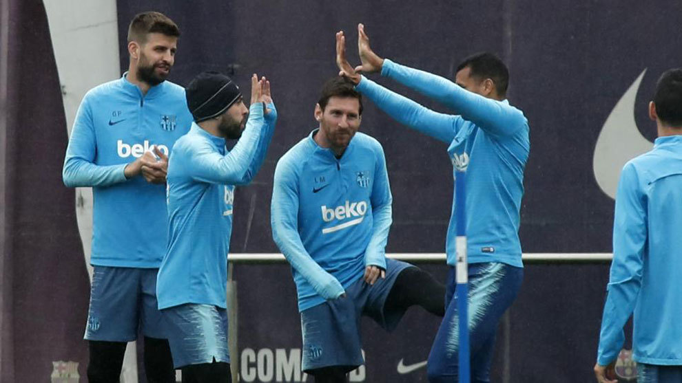 Barcelona players in a training session during the 2018/19 season.