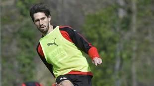 Oliveira, en un entrenamiento con el Eibar.