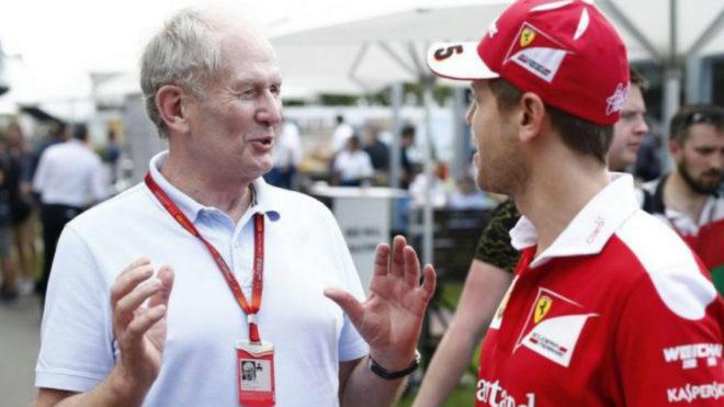 Helmut Marko conversa con Sebastian Vettel