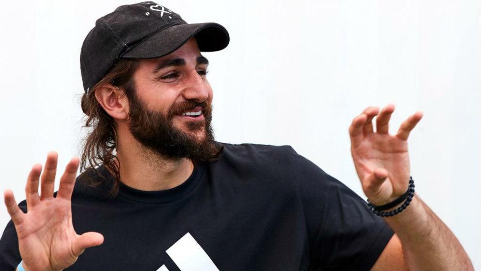 Ricky, durante el acto con Adidas y una asociación medioambiental...