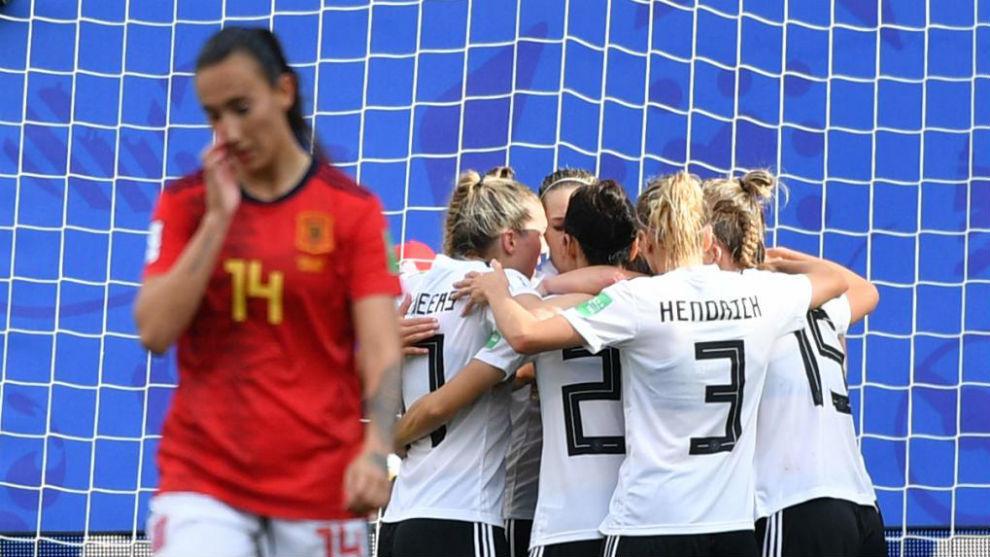 Virginia Torrecilla se lamenta tras el primer gol alemán.