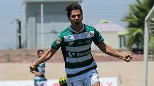 Ulises Rivas festeja en la Liga MX sub 20