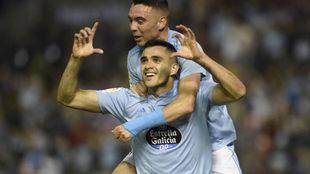 Maxi y Aspas celebran  un gol esta temporada.