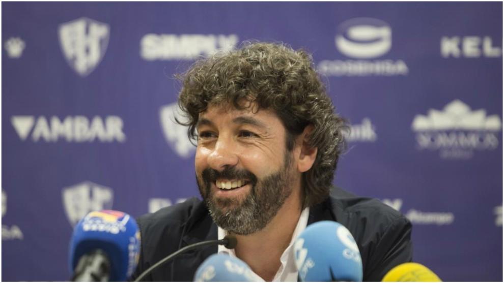 Emilio Vega, en una rueda de prensa