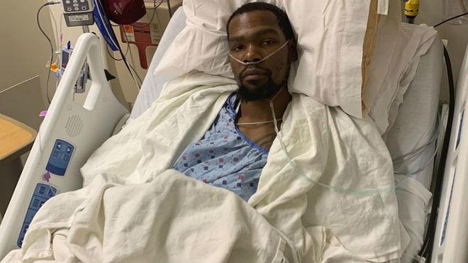 La foto de Kevin Durant internado y cómo puede darse su recuperación