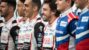 Alonso, durante la presentación de los pilotos Toyota en este Le...