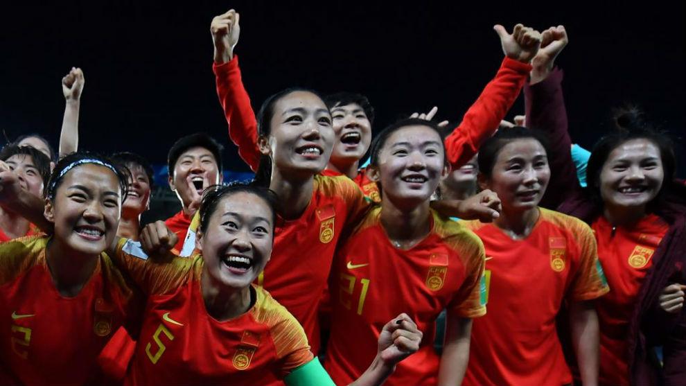 La selección china celebra su victoria ante Sudáfrica.