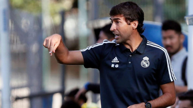 Raul Gonzalez on the sidelines.