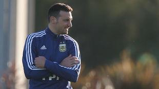 Scaloni, en un entrenamiento de Argentina.
