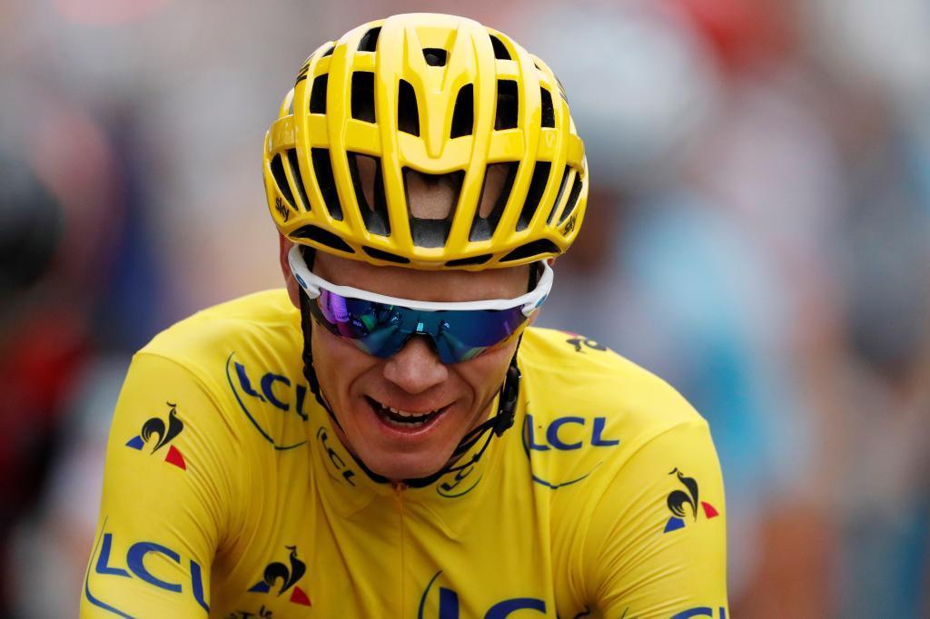 EPA9888. PARIS (FRANCIA), 12/06/2019.- El ciclista británico Christopher <HIT>Froome</HIT>, en una foto de archivo durante el Tour de Francia 2017, el 23 de julio de 2017. <HIT>Froom</HIT> ha sufrido un accidente este miércoles mientras hacía un reconocimiento del recorrido de la cuarta etapa del Criterium Dauphiné y ha sido trasladado a un hospital local en Roanne, Francia, según anunció su equipo Team Ineos. EFE/ Guillaume Horcajuelo