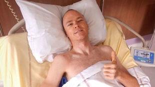 Chris Froome, en la habitación del hospital de St. Ettiene, donde fue...