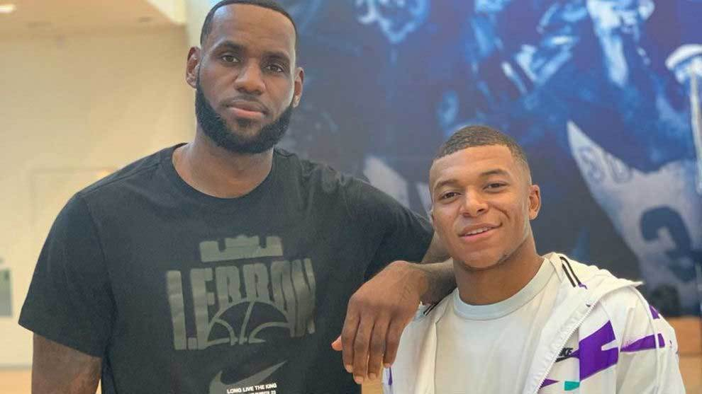 LeBron James y Mbappé posan juntos