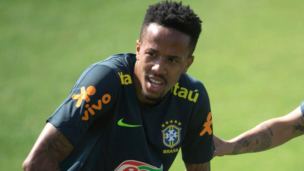 Eder Militao during a training session with Brazil.