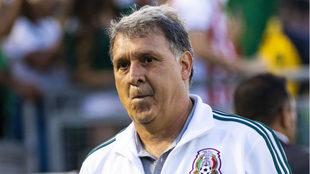 Gerardo Martino en el juego vs Cuba