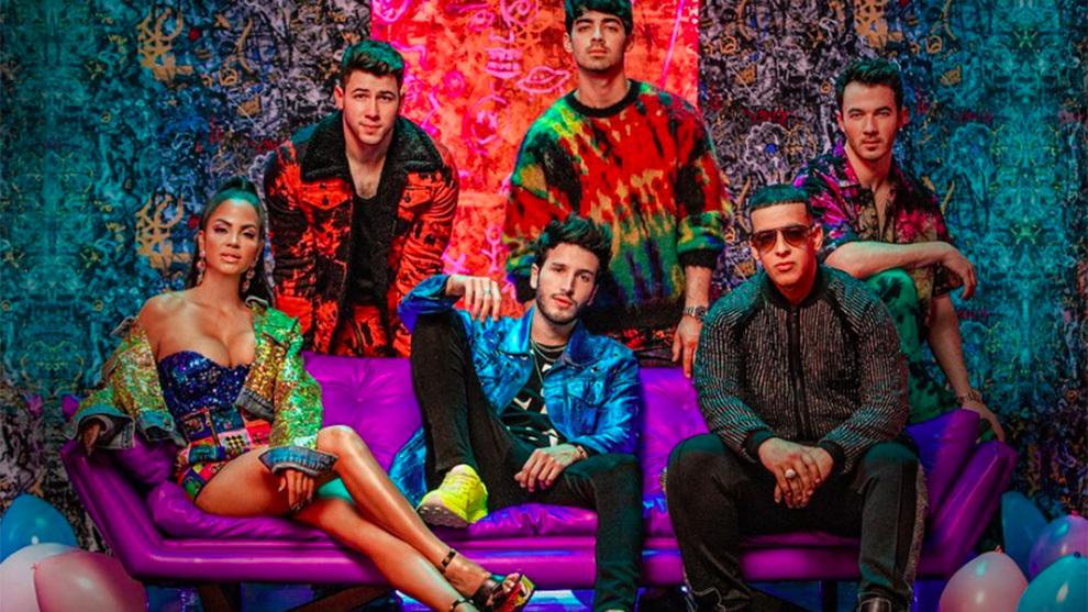 Sebastián Yatra junto a los Jonas Brothers, Natti Natasha y Daddy...