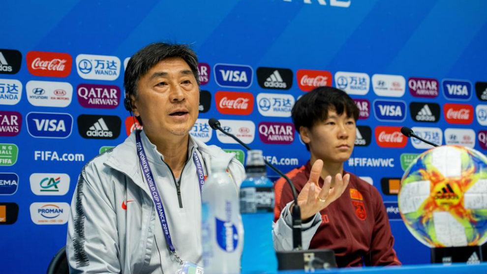 Jia Xiuquan y Zhang Rui, en rueda de prensa.