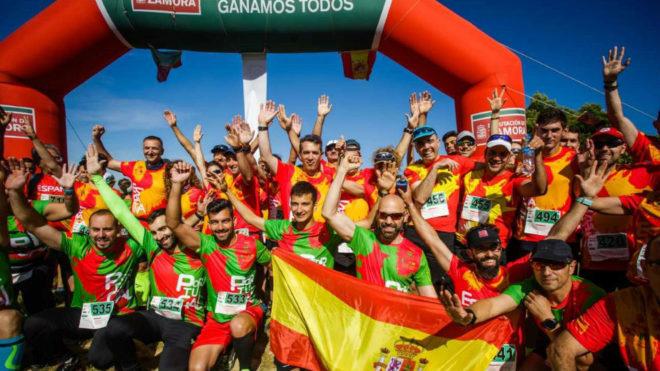 Los participantes de la carrera, en la meta.