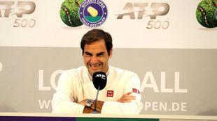 Federer, en la rueda de prensa en Halle