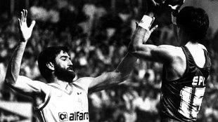 Iturriaga defiende a Epi en un partido clásico