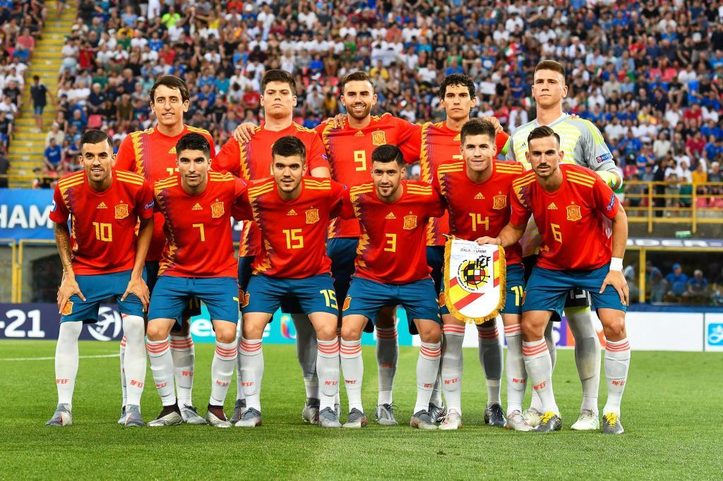 Bologna (<HIT>Italy</HIT>), 16/06/2019.- Players of <HIT>Spain</HIT> line up for the UEFA European Under-21 Championship 2019 group A soccer match between <HIT>Italy</HIT> and <HIT>Spain</HIT> in Bologna, <HIT>Italy</HIT>, 16 June 2019. (Italia, España) EFE/EPA/ALESSIO MARINI
