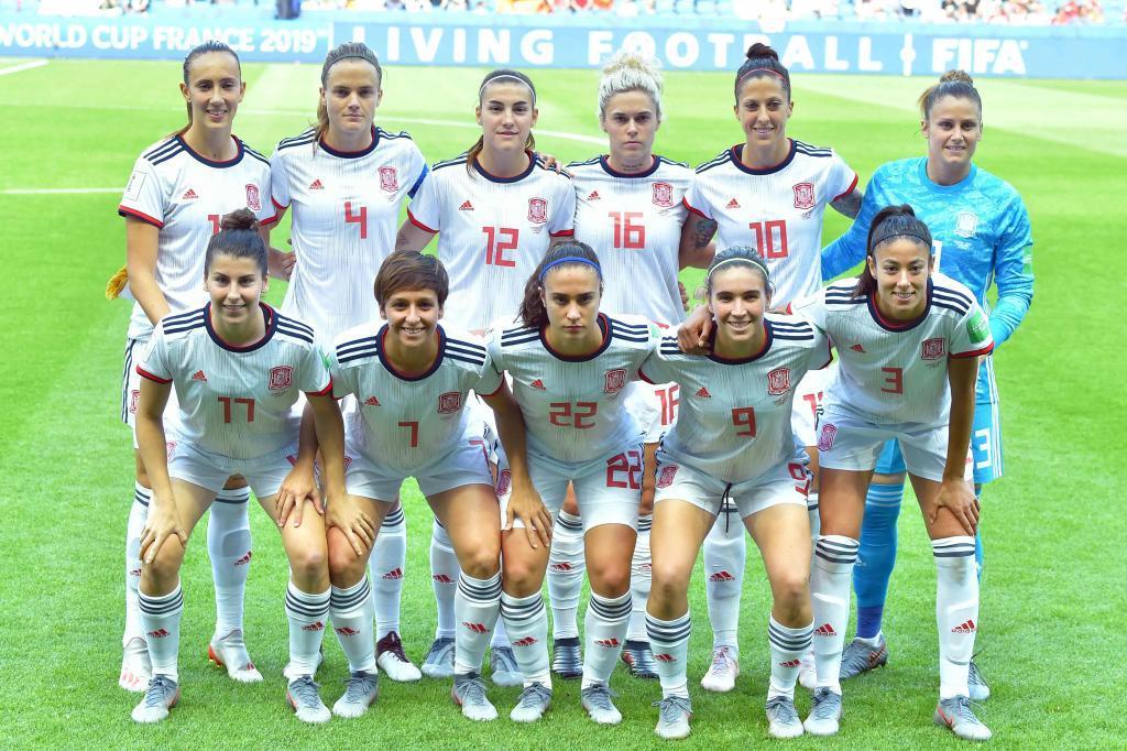 Once inicial de España frente a China en el Mundial.