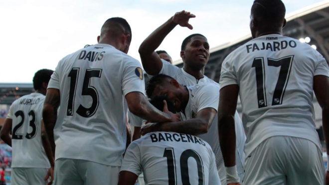 Festejo de los jugadores panameños.