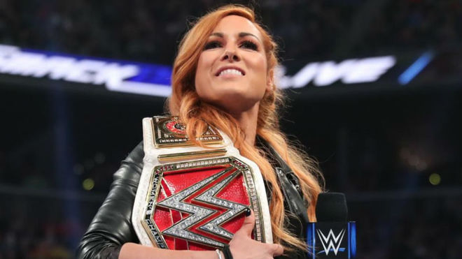 Becky Lynch campeona de Raw.