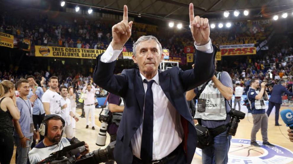 Svetislav Pesic celebra el triunfo del Barcelona Lassa.