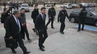Xabi Alonso, antes de su declaración por presuntos delitos contra...