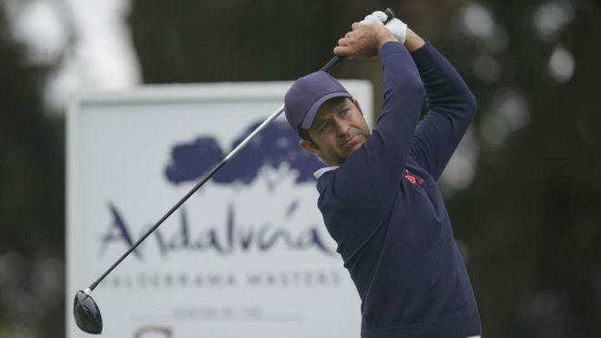 Jorge Campillo jugando en el Club de Golf de Valderrama.