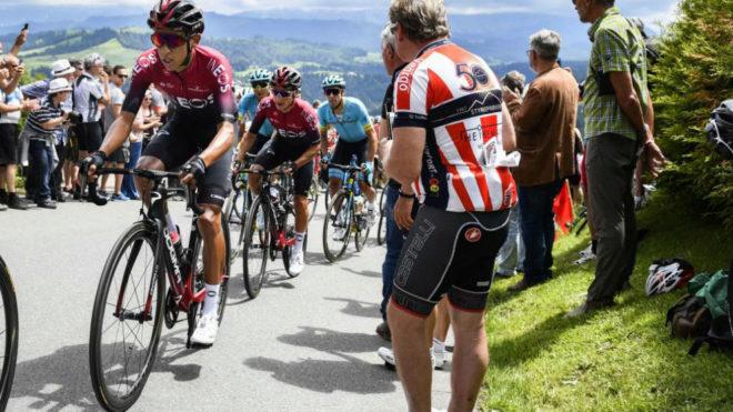 Egan Bernal, en una ascensión en la Vuelta a Suiza.